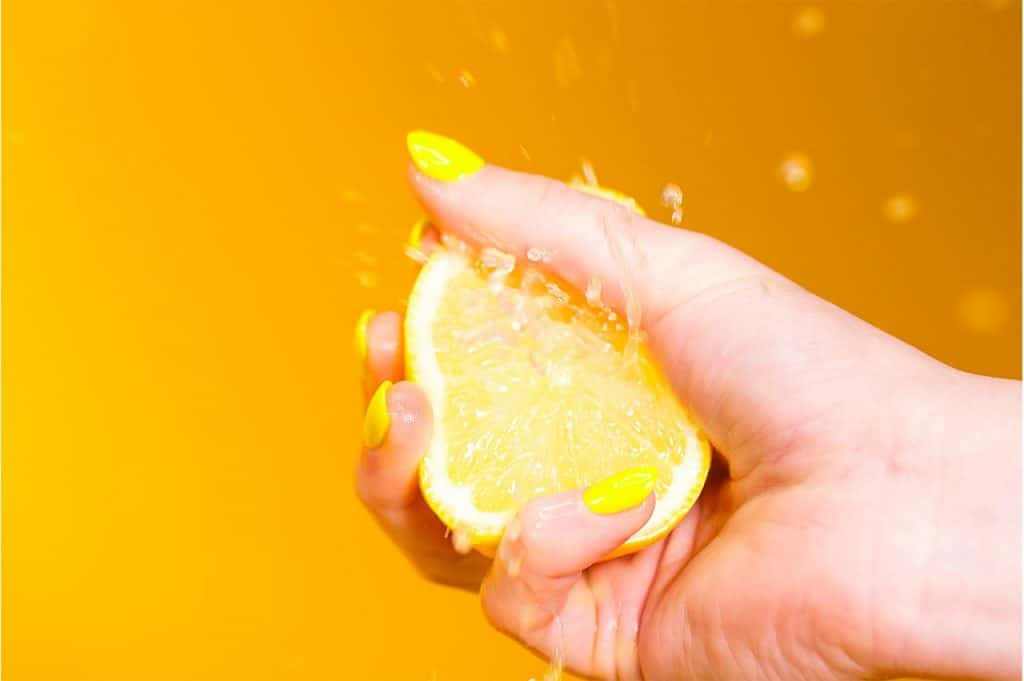 squeezing lemon